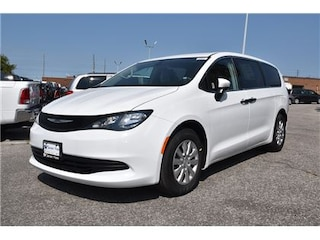 2018 Chrysler Pacifica L|BLUETOOTH|3RD ROW STOW N' GO|2ND ROW PWR WINDOWS Van