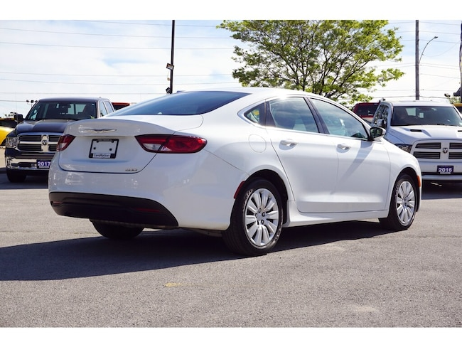 Used 2015 Chrysler 200 LX Bluetooth Uconnect 5 0 9-Speed