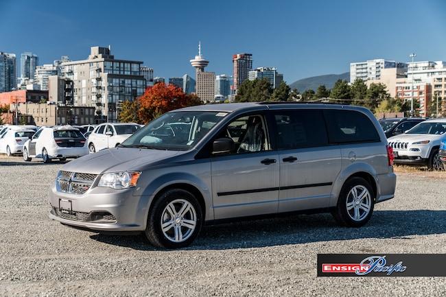 2017 Dodge Grand Caravan SE PLUS PACKAGE - w/ Uconnect Hands Free Group Minivan