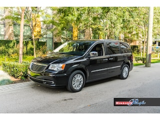 2013 Chrysler Town & Country Limited Wagon