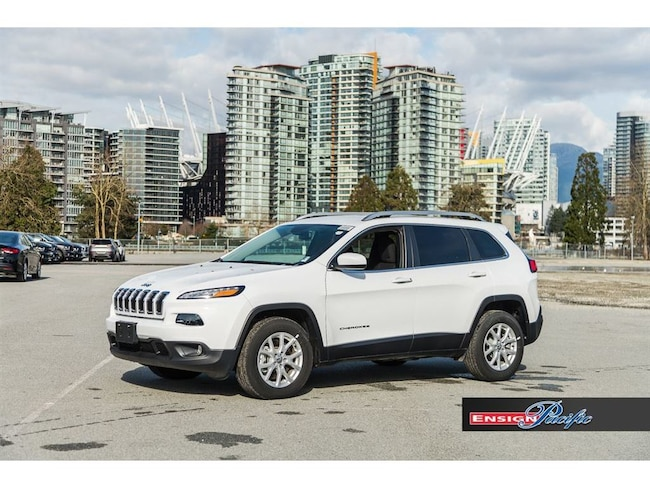 2017 Jeep Cherokee 4x4 North - Uconnect 8.4 Nav Ready / Back up Camer SUV
