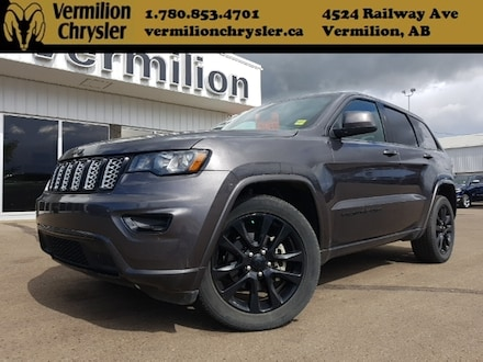 2017 Jeep Grand Cherokee Altitude IV Package ultimate heated leather  SUV