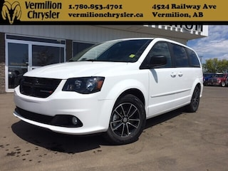 2017 Dodge Grand Caravan SXT Blacktop, Power Doors/Hatch Van