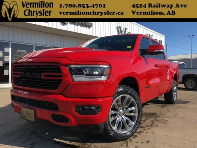 2019 Ram 1500 Sport, Leather, Pano Sunroof, Blind-Spot Truck Crew Cab