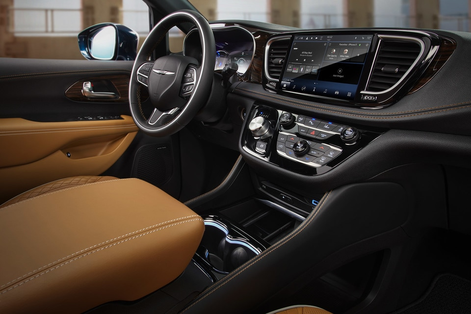 2021 Chrysler Pacifica interior dashboard