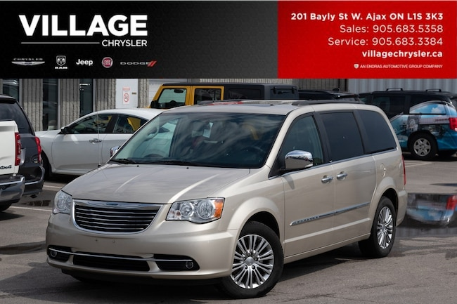 2014 Chrysler Town & Country Touringl Nav Sunroof Dvds TOW Safetech Remote Wagon