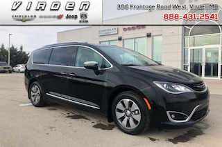 2018 Chrysler Pacifica Hybrid Limited   LEATHER SEATS   NAV   Van 5700A