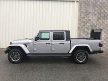 2020 Jeep Gladiator Overland 4x4 Crew Cab 5 ft. box