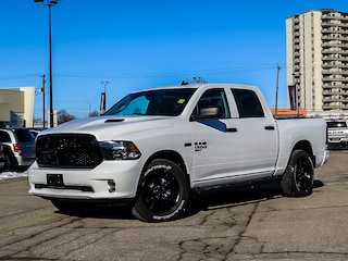 2021 Ram 1500 Classic Night Edition | Trailer Brake | Heated Seats 4x4 Crew Cab 5.6 ft. box 140 in. WB