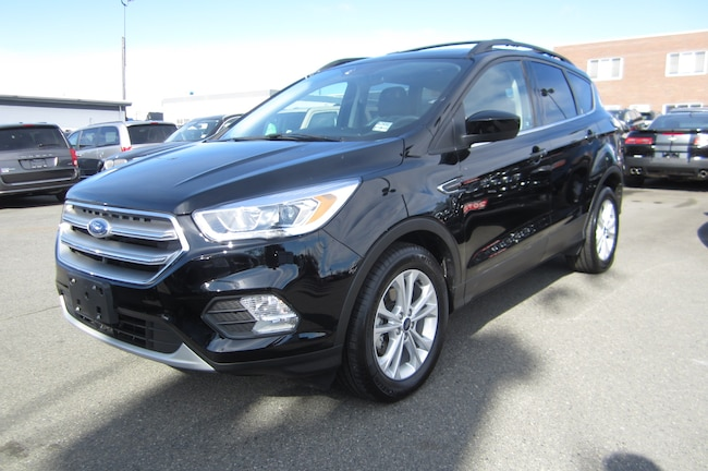 For Sale in Victoria: Pre-Owned 2017 Ford Escape SE Used