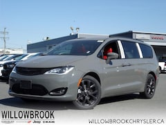2020 Chrysler Pacifica Limited SUV