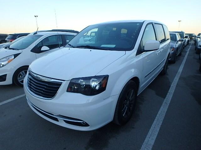 2015 Chrysler Town & Country S Van Passenger Van