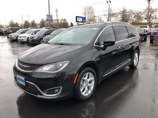 Used 2017 Chrysler Pacifica Touring-L Plus in Windsor, Ontario
