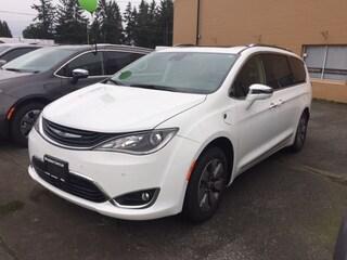 2019 Chrysler Pacifica Hybrid Limited Van