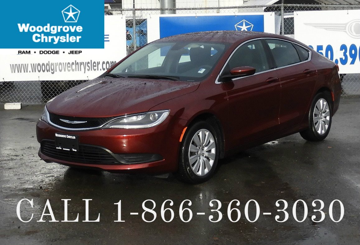 2015 Chrysler 200 Low Kilometers, No Accidents Sedan