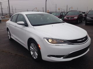 2016 Chrysler 200 Limited *COMPANY DEMO* Berline