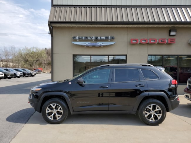 Used 2017 Jeep Cherokee Trailhawk 4x4 SUV for sale in Clearfield, PA