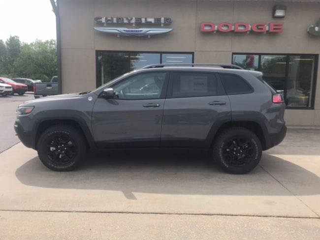 New 2019 Jeep Cherokee TRAILHAWK 4X4 Sport Utility for sale in Clearfield, PA