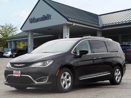 2017 Chrysler Pacifica Touring L Plus Touring-L Plus  Mini-Van