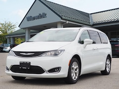 Certified Pre-Owned 2018 Chrysler Pacifica Touring Plus Touring Plus  Mini-Van 2C4RC1FG2JR103095 for Sale in Warwick, NY