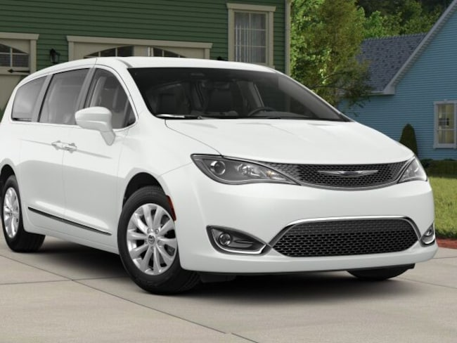 New 2018 Chrysler Pacifica TOURING PLUS Passenger Van For Sale/Lease Warwick, NY
