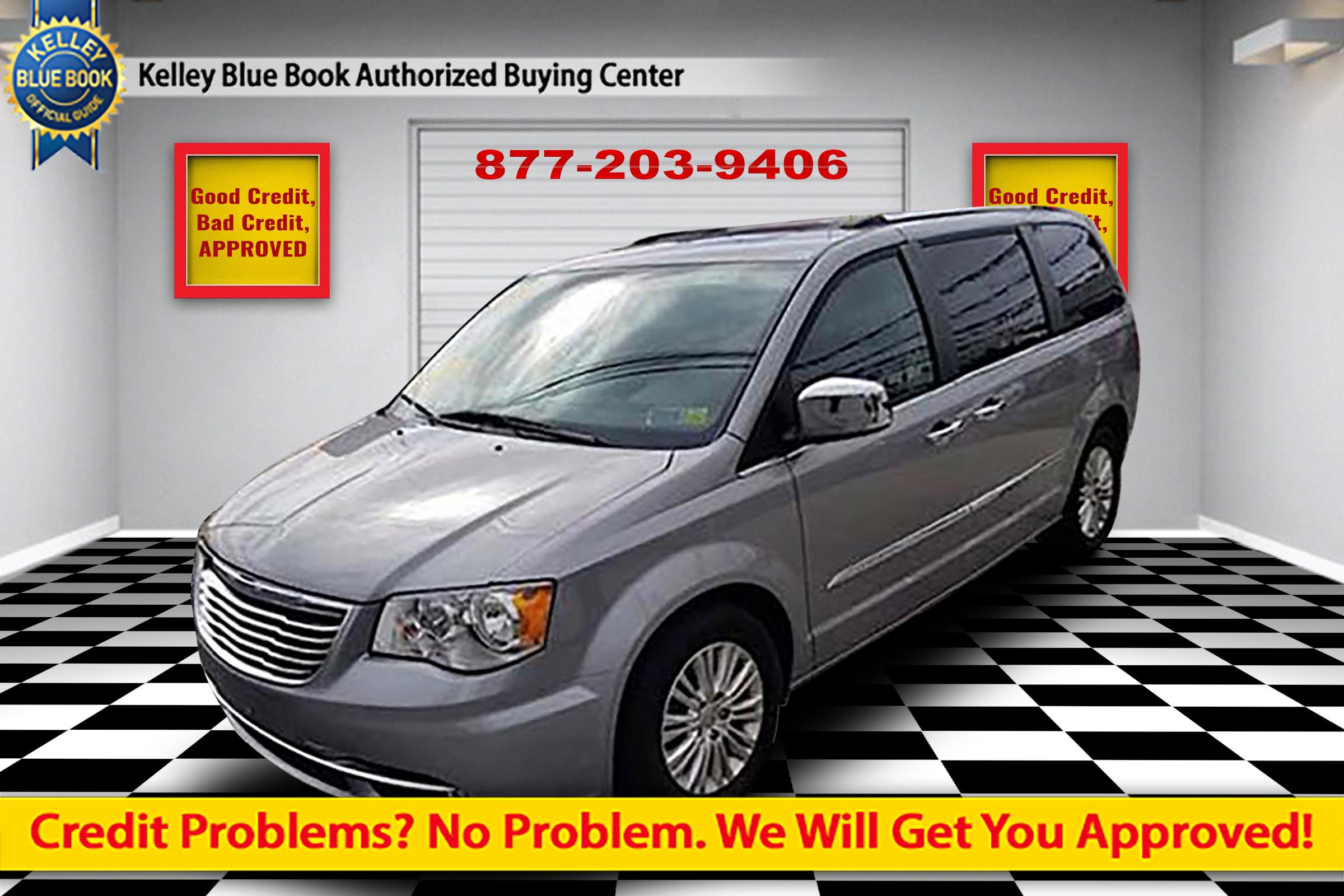 2016 Chrysler Town & Country Limited Van LWB Passenger Van