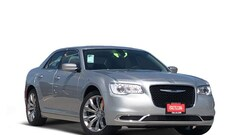 New 2019 Chrysler 300 TOURING L Sedan Corpus Christi