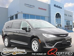 Used Vehicles for sale  2017 Chrysler Pacifica Touring-L Van 2C4RC1BG1HR795009 in Gadsden, AL