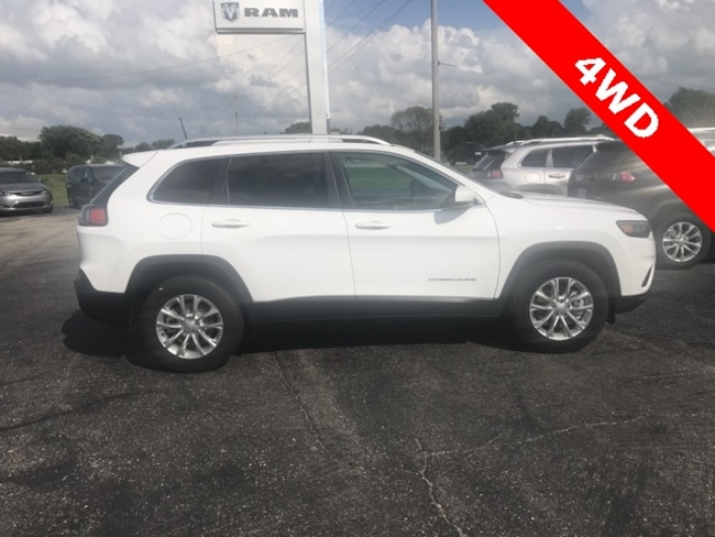 New 2019 Jeep CHEROKEE LATITUDE 4X4 LATITUDE 4X4 Sport Utility for sale in Hoopeston, IL
