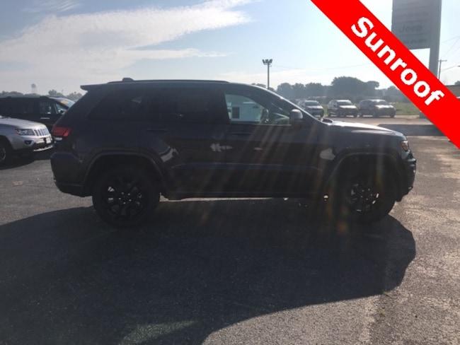 New 2018 Jeep Grand Cherokee ALTITUDE 4X4 Sport Utility for sale in Hoopeston, IL
