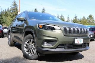 New 2019 Jeep Cherokee LATITUDE PLUS 4X4 Sport Utility 1C4PJMLB4KD287872 287872 serving Tacoma
