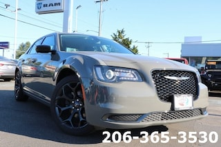 New 2019 Chrysler 300 TOURING Sedan 2C3CCAAG9KH693854 693854 serving Tacoma
