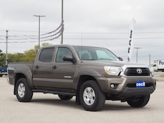 Used 2015 Toyota Tacoma TRD off rd. Pickup Truck in Orange, TX