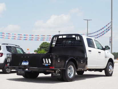 2018 Ram 3500 TRADESMAN CREW CAB CHASSIS 4X4 172 4 WB in