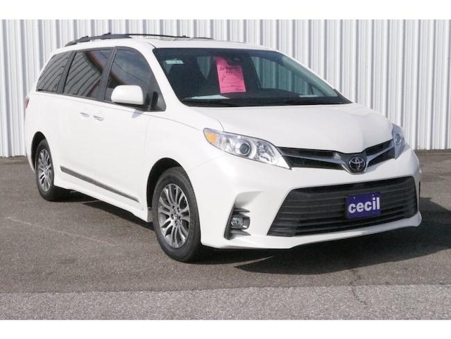 New 2019 Toyota Sienna XLE 8 Passenger Van in Orange, TX