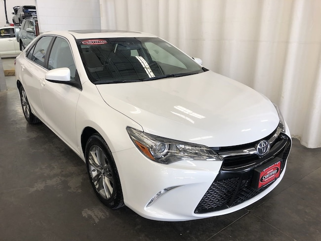Certified Pre-Owned 2016 Toyota Camry SE Car in Hiawatha, IA