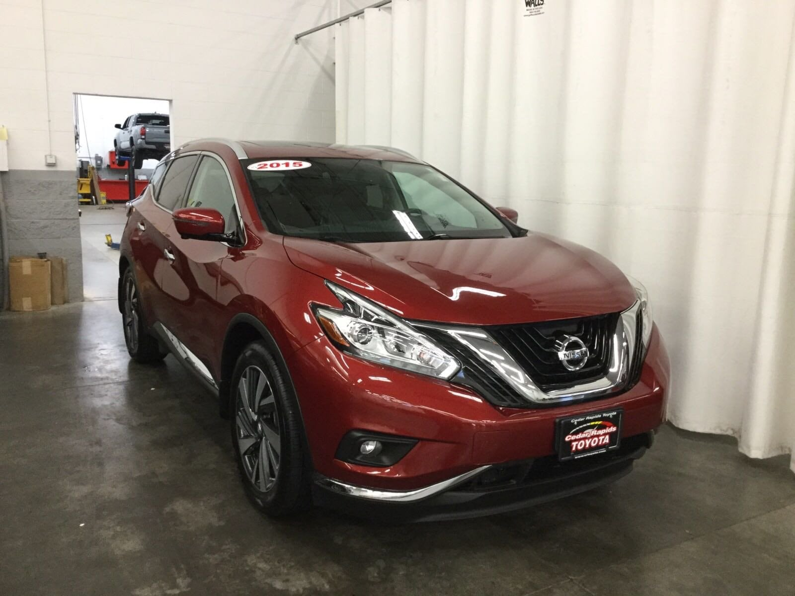 Featured Used 2015 Nissan Murano Platinum SUV for sale near you in Hiawatha, IA