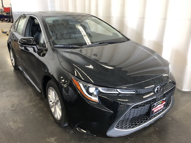 New 2020 Toyota Corolla XLE Sedan Hiawatha, IA