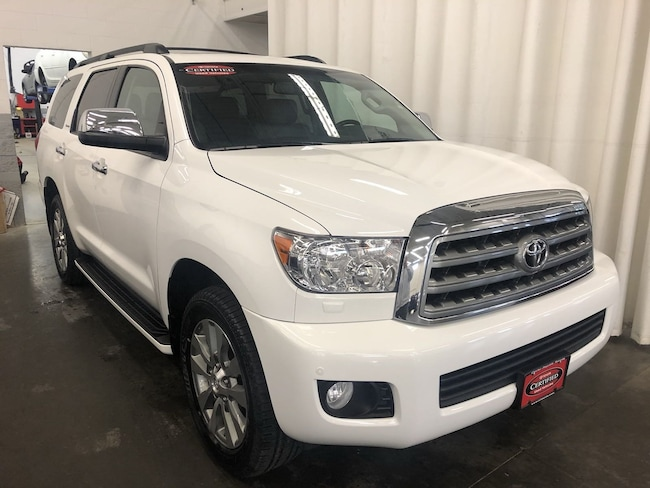 Certified Pre-Owned 2017 Toyota Sequoia Limited SUV in Hiawatha, IA