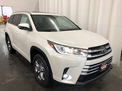 New 2019 Toyota Highlander Limited Platinum V6 SUV in Hiawatha, IA