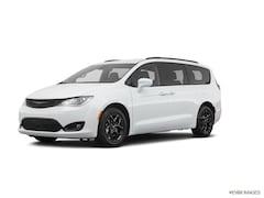 2020 Chrysler Pacifica TOURING L PLUS Passenger Van East Hanover, NJ
