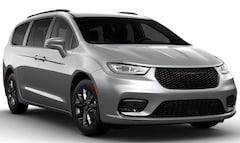 2021 Chrysler Pacifica TOURING L Passenger Van East Hanover, NJ
