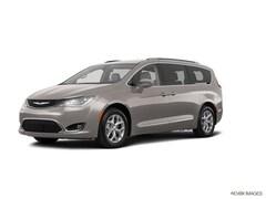 New  2018 Chrysler Pacifica TOURING L Passenger Van for Sale in East Hanover, NJ