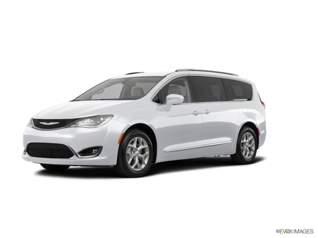 2019 Chrysler Pacifica TOURING L PLUS Passenger Van for Sale in East Hanover, NJ