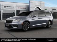 new 2021 Chrysler Pacifica TOURING L Passenger Van For Sale in East Hanover, NJ