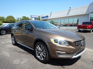 2017 Volvo V60 Cross Country T5 AWD Platinum