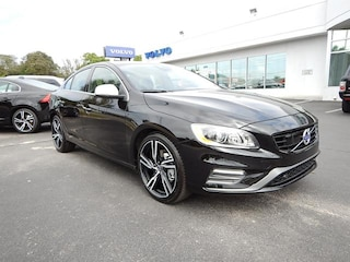 2017 Volvo S60 R-Design T6 AWD Platinum Sedan YV149MTS4H2438591