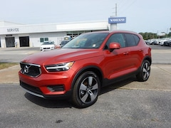 New 2020 Volvo XC40 T5 Momentum SUV V316005 for Sale in Pensacola, FL