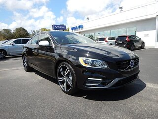 2017 Volvo S60 R-Design T6 AWD Platinum Sedan YV149MTS7H2437550