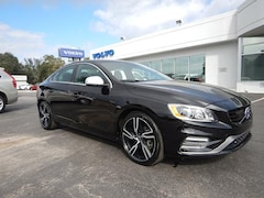 2017 Volvo S60 R-Design T6 AWD Platinum Sedan V439978